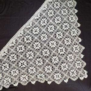 Vintage Shawl Handmade Crochet Scalloped Hem
